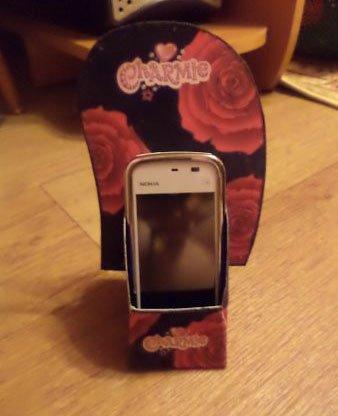 Подставка под телефон из картона