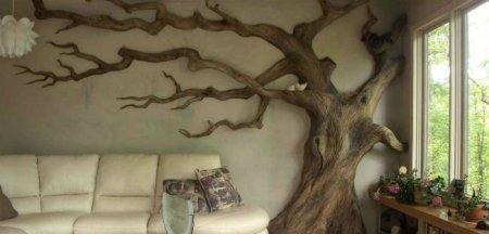 Украшаем помещение деревом