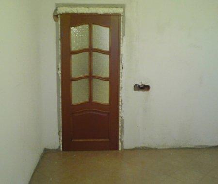 Установка межкомнатной двери на даче своими руками