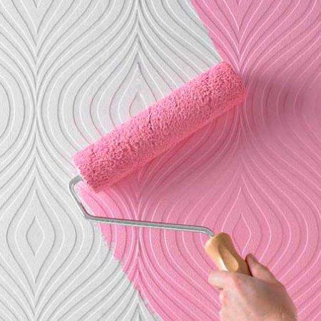 Покраска стен оклеенных обоями под покраску