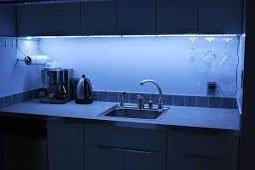 Монтаж светодиодной ленты на кухне. Рабочая зона