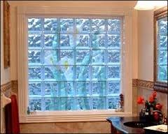 Как обустроить окно из стеклоблоков