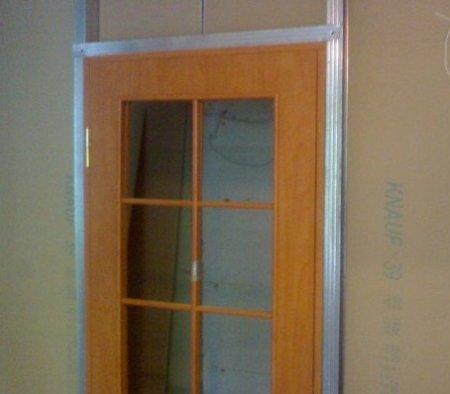 Как установить дверь в гипсокартонную перегородку